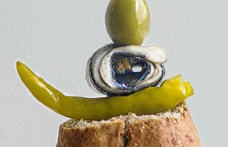 Pincho mit Olive, passend zum Wermut.