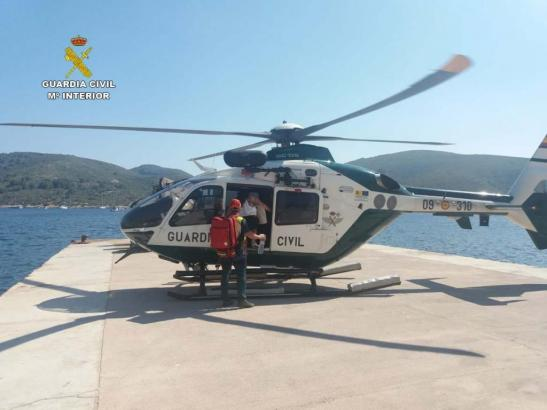 Helikopter der Guardia Civil im Einsatz.