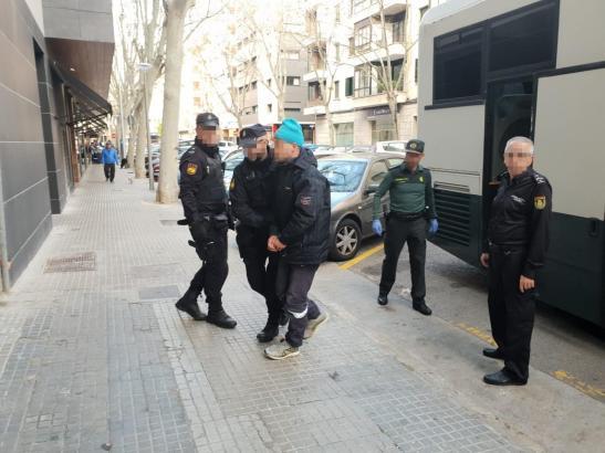 Nach ihrer Ankunft in Colònia de Sant Jordi wurden die Flüchtlinge festgenommen.