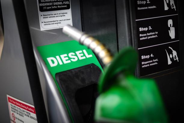 Der Kauf von Dieselfahrzeugen ging 2019 um 50% zurück. Damit liegt er doppelt so hoch wie der weltweite Rückgang.