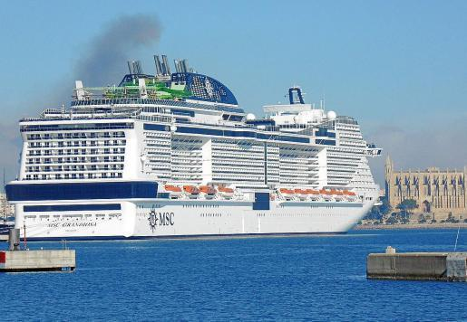 Immer größere Schiffe, immer mehr Passagiere. Dafür sinkt die Zahl der Schiffe leicht.