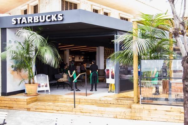Im Jahr 2017 wurde die Starbucks-Filiale an der Playa de Palma eröffnet.
