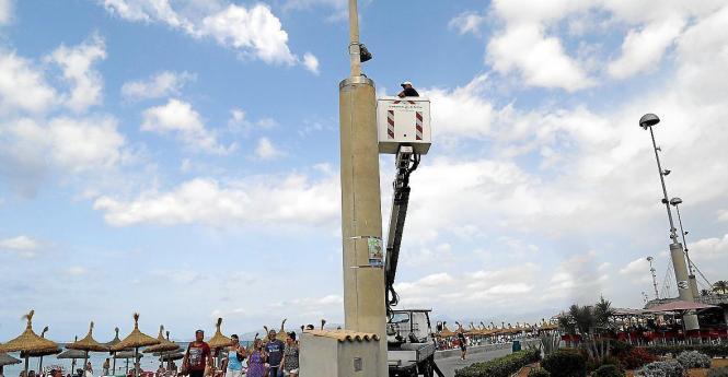Die Kameras sollen auf Betonsäulen installiert werden.