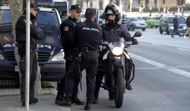 Beamte der Nationalpolizei haben bei ihrer Streife am Paseo Marítimo zwei jugendliche Autoknacker verhaftet.