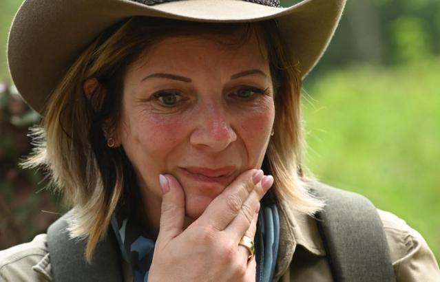 Daniela Büchner beim Einzug ins Dschungelcamp. Die Witwe von Jens Büchner fühlt sich auch nach dessen Tod im Jahr 2018 auf Mallorca zu Hause.
