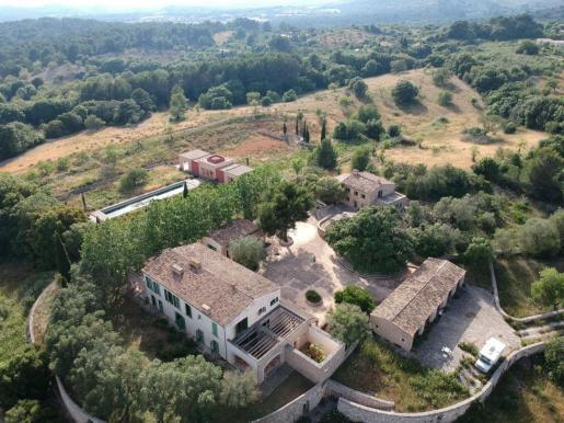 Das ehemalige Boris Becker Anwesen wurde erneut von Okupas besetzt.