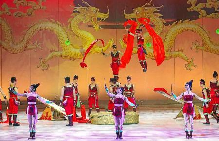 Die Zuschauer erwartet ein farbenfrohes Spektakel.