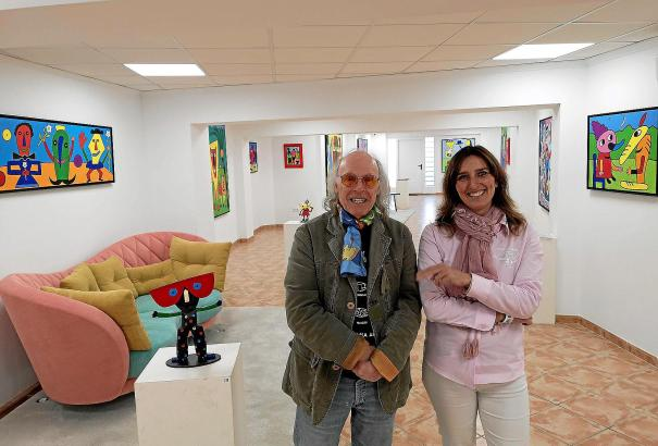Künstler und Galeristin: Gustavo Peñalver und Cati Vallespir.