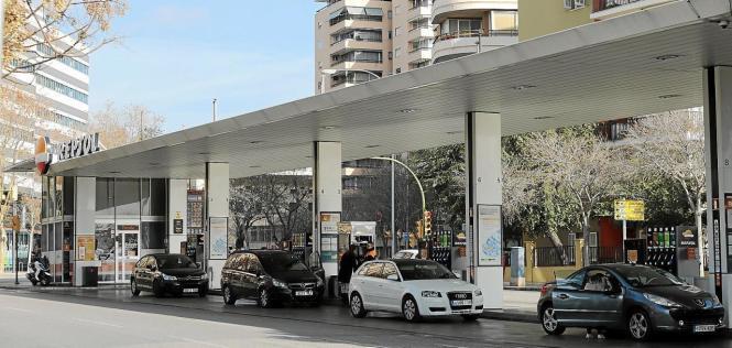 Die Benzin- und Dieselpreise sind in den letzten zehn Jahren um bis zu 40% angestiegen.