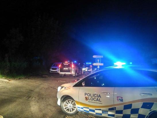 Polizeifahrzeuge in der Nähe der Na-Mora-Schlucht.