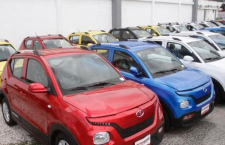 Zum Verkauf stehende Autos.