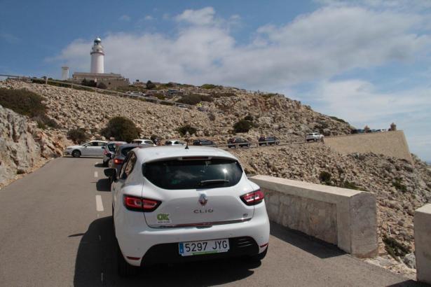 Zum Formentor-Leuchtturm darf im sommer kein Privatfahrzeug hin.