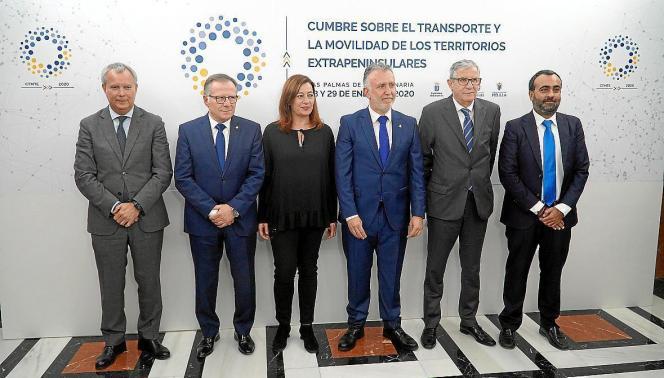 Ministerpräsidentin Armengol mit Vertretern der anderen Inseln beziehungsweise Exklaven.