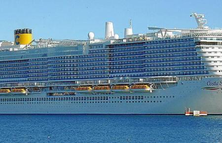 """Die mit dem Flüssiggas LNG betriebene """"Costa Smeralda"""" ist nach ihrer offiziellen Einweihung nun jede Woche in Palma zu sehen. An Bord haben 6.554 Passagiere Platz."""