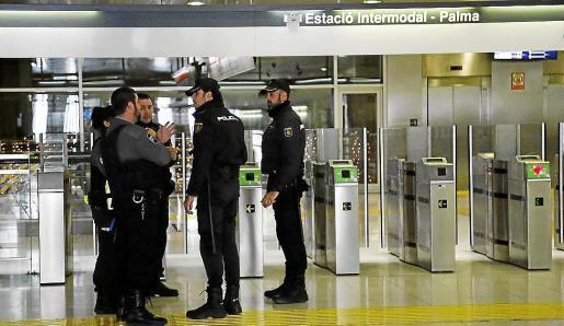 Die Polizei nahm einen Randalierer in Palmas Bahnhof fest.