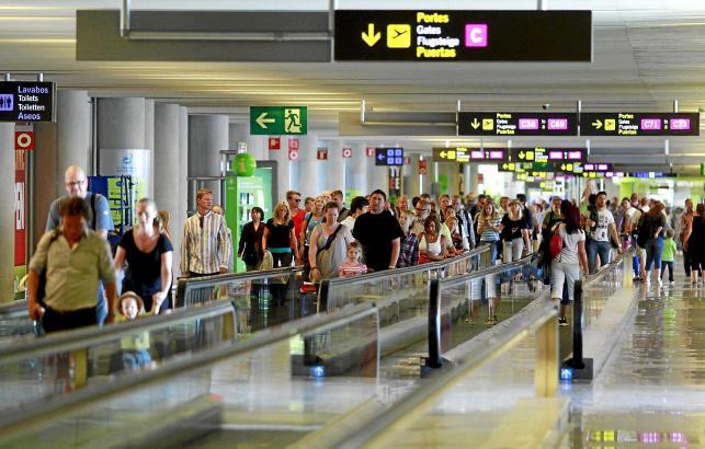 So kennt man den Airport von Mallorca: Meistens gut voll, vor allem im Sommer.