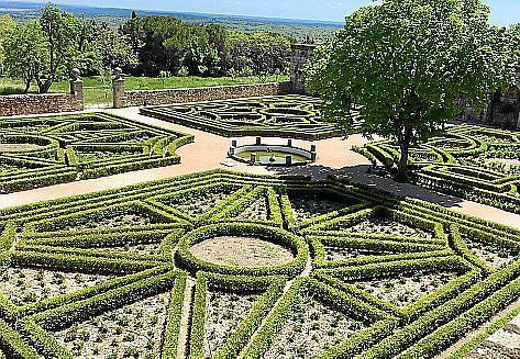 Der Garten des Klosters von San Lorenzo de El Escorial.