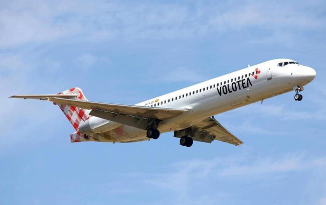 Blick auf einen Jet von Volotea.
