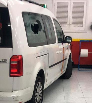 Eines der von Attacken betroffenen Taxis.