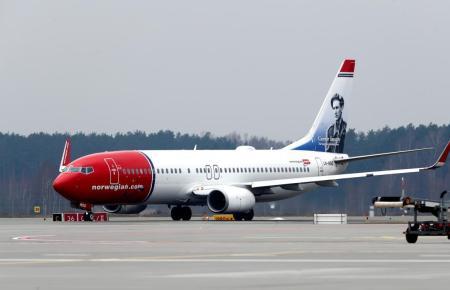 Kaum zu übersehen sind die rot-weißen Norwegian-Flieger.