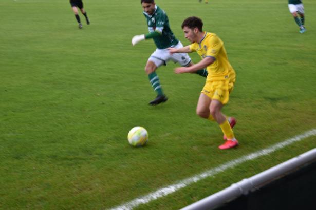 Der junge Armando Shashoua, im Winter ausgeliehen von Tottenham, stand gegen Coruxo erstmals in der Startelf von Atlético Baleares.