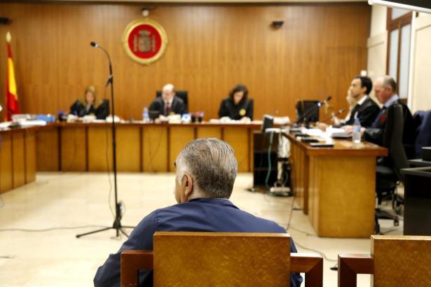 Der Angeklagte vor Gericht in Palma.