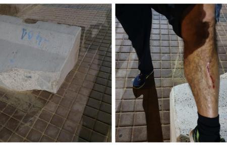 Der Betonblock und das Bein des Opfers.