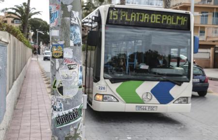 Fährt von Arenal über die Autobahn in Palmas Zentrum: die Linie 25.