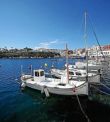 Der Fischerhafen von Cales Fonts ist zur beliebten Ausgehmeile geworden.