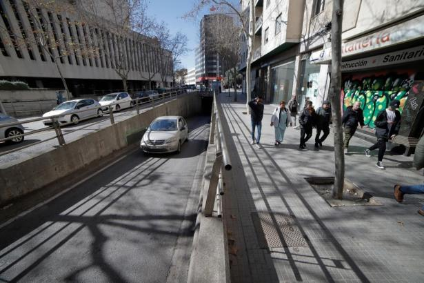 So sieht die Calle Nuredduna aus, wenn man den Blick in Richtung Innenstadt richtet. Die Tunnelausfahrt wird verschwinden.