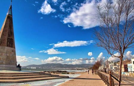Auf Mallorca erwartet Besucher am Wochenende wie hier in Palmas Stadtteil Molinar traumhaftes Frühlingswetter.
