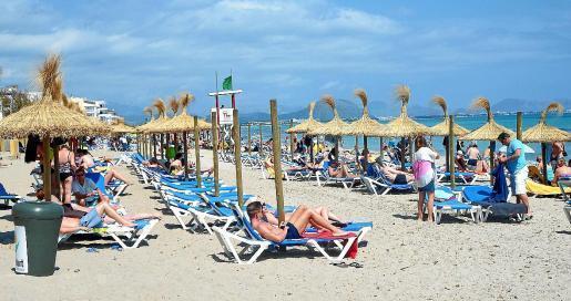 Der Strand von Can Picafort ist im Sommer einer der beliebtesten im Inselnorden von Mallorca.