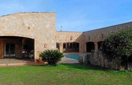 Dieses Anwesen in Santa Eugània, auf dem die Brautleute feiern wollten, war zuvor auf Webseiten für Hochzeiten zum Mieten angeboten worden.