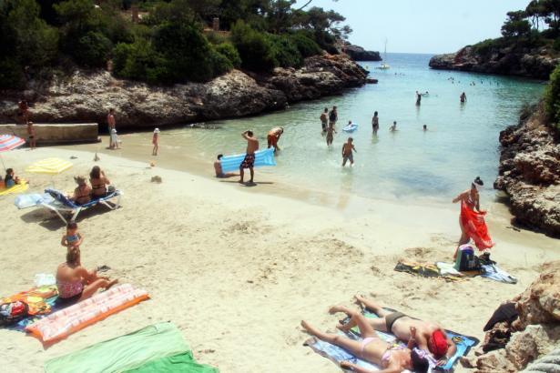 Der Strand der zu Cala d'Or gehörenden Cala Egos.