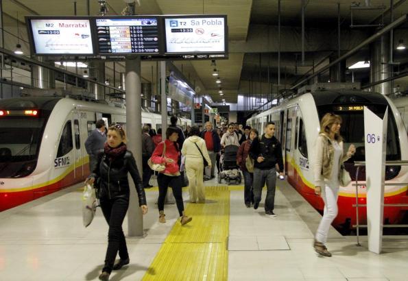 In Palma starten die Züge an der Plaça d'Espanya.