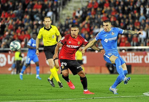 """Auch der Kolumbianer Chucho Hernández konnte für die """"Roten"""" von Real Mallorca nicht treffen."""