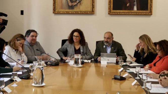 In der MItte: Inselratschefin Catalina Cladera mit Tourismusdernent Andreu Serra.
