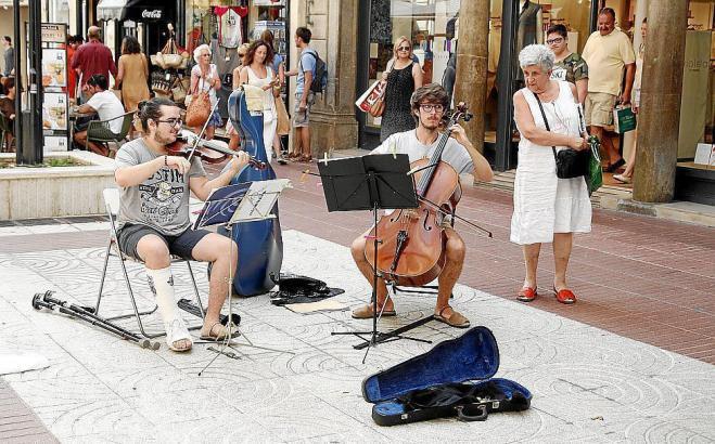 Straßenmusiker in Palma sollen bald in der ganzen Stadt spielen dürfen.