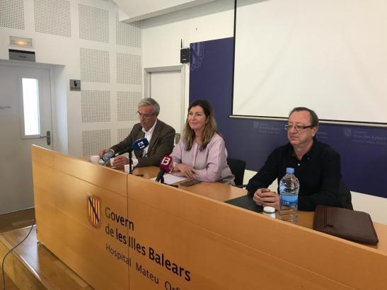 Gesundheitsministerin Patricia Gómez bei einem Info-Termin auf Menorca.