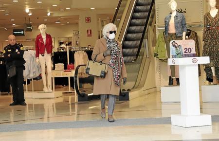 Auch auf Mallorca nimmt die Zahl der Maskenträger zu.