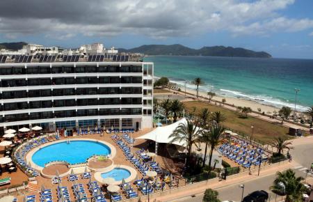 Unter der eigenen Marke Allsun betreibt Alltours zahlreiche Hotels auf Mallorca, zum Beispiel das Allsun Sumba in Cala Millor.
