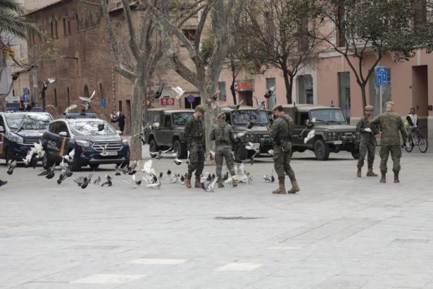 Soldaten im Zentrum von Palma.