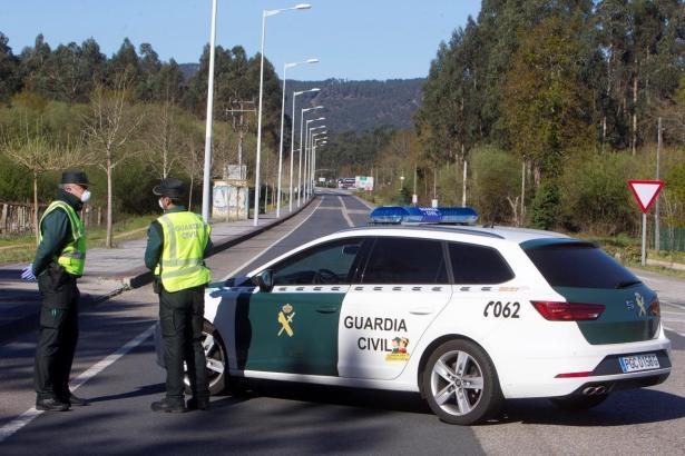 Auch auf dem Lande ist man dieser Tage nicht vor der Polizei sicher.