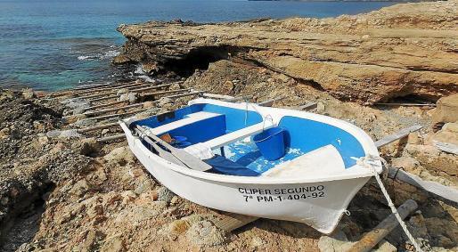 Unter anderem wollte ein Fischer trotz Verbots mit diesem Boot unbemerkt vor Sant Elm auf Tintenfischjagd gehen.