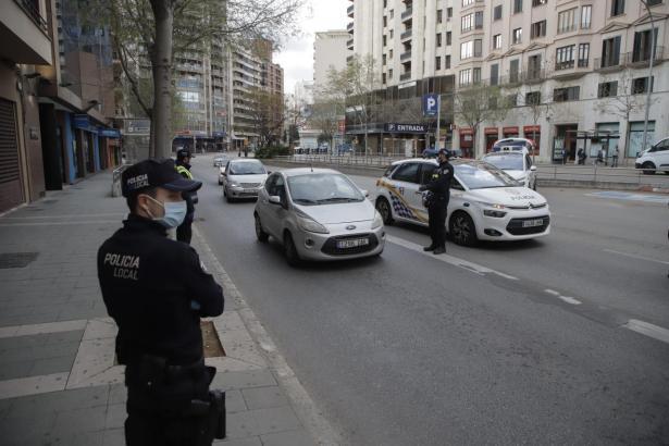 Polizisten in Palma de Mallorca.