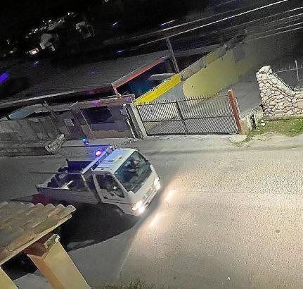 Jeden Abend verwandeln sich Lkws in rollende Diskos.