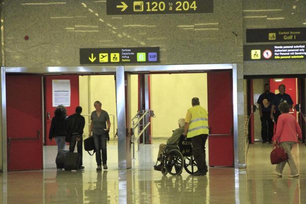 Hinter diesem bei vielen deutschen Urlaubern weitgehend unbekannten Direktzugang zu Modul B wird in den kommenden Wochen die Sicherheitskontrolle am Airport Palma de Mallorca liegen.