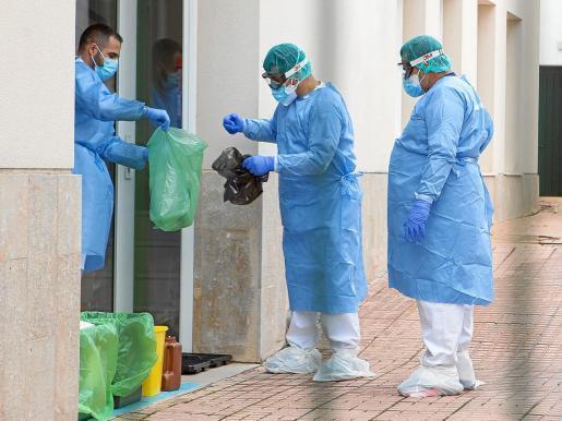 Spanien erlebt den schlimmsten Tag seit Beginn der Coronakrise. Die Balearen erwarten Hilfslieferungen von über 70 Tonnen aus China.