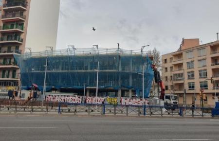 Jetzt ist auch das Baugewerbe betroffen. Bis zum 9. April müssen diese Aktivitäten nun auch ruhen.