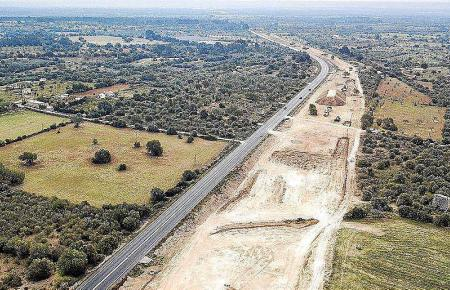 Die Arbeiten an der Autobahn zwischen Llucmajor und Cammpos ruhen.